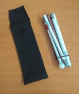 Slika dugog bijelog štapa s 5 sekcija (sklopljen) i torbica
