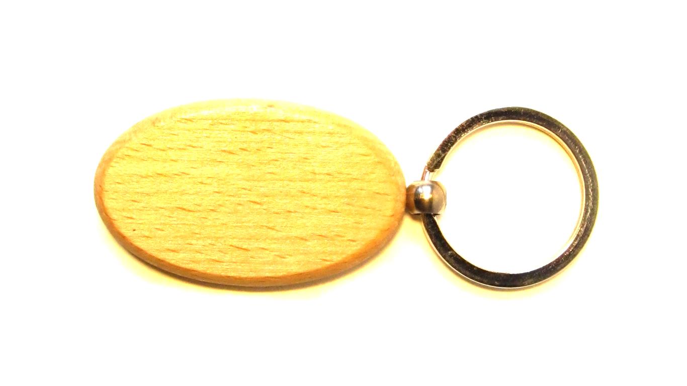 slika drvenog ovalnog privjeska za ključeve